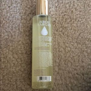 bath & Body Works Makeup - Bath & Body works (birch & Argan ) body oil